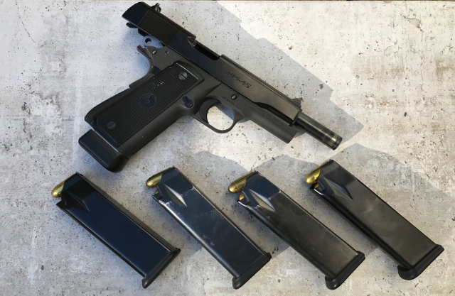 Para Ordnance P14-45 and spare magazines